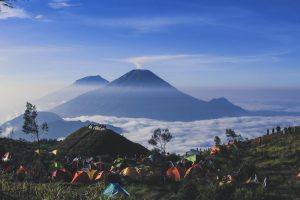 wisata gunung prau dari jakarta